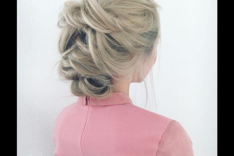 Урок 29. Быстрая причёска на резиночках. Прически на себе