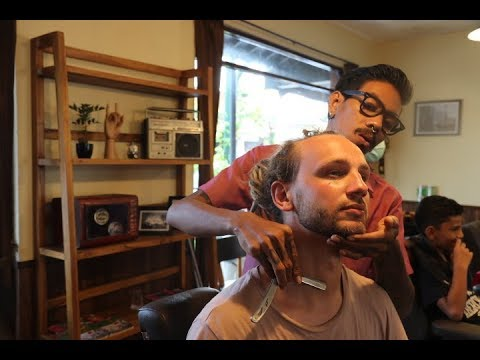 Как стригут бороду на Bali /Бритьё бороды/Барберы на острове Bali