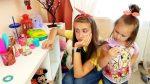 Милана ПАРИКМАХЕР и Капризный Посетитель в её Парикмахерской  Делаем модный маникюр